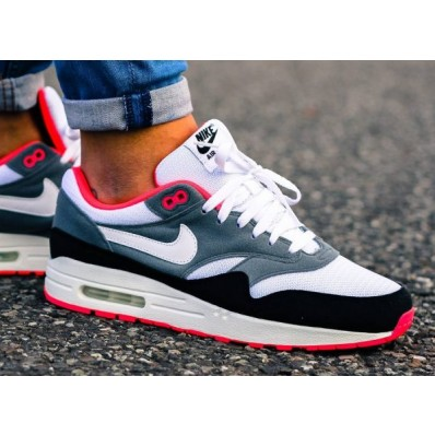 chaussures nike max 1